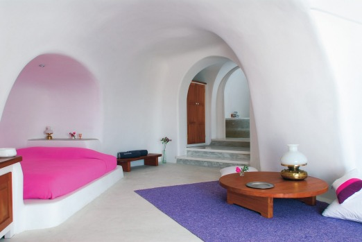 Perivolas, Santorini. If all caves were this comfortable, we might never have moved out of the Stone Age.