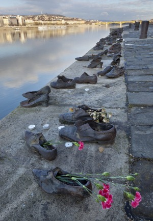 The <em>Shoes on the Danube</em> memorial.