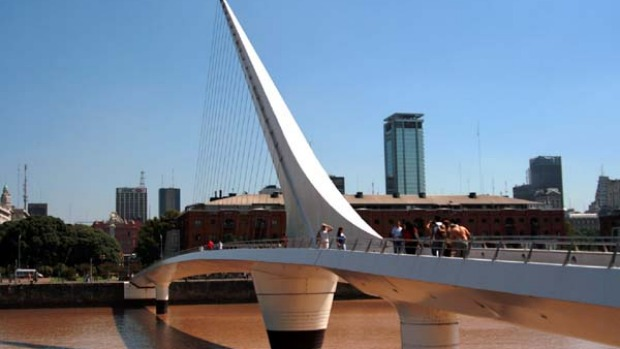 The Puente de la Mujer bridge's shape is inspired by a couple mid-tango.