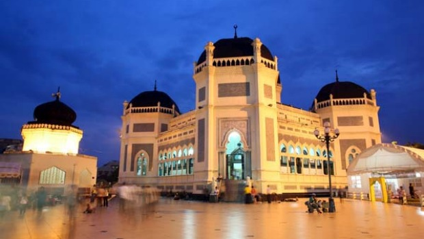 Mesjid Raya Medan Mosque ... the closest thing the city has to a tourist attraction.