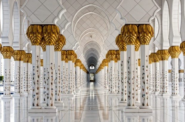 <b>Photo 10: Last stop</b><br> The amateur says: Heading back to the airport, we stopped at the Grand Mosque. As ...