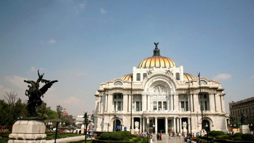 Mexico city may have a bad reputation, but it also home to amazing art: Palacio de Bellas Artes.