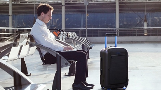 Bluesmart's suitcase can charge your electronic devices.