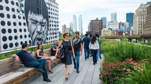 A stroll in the High Line Park.