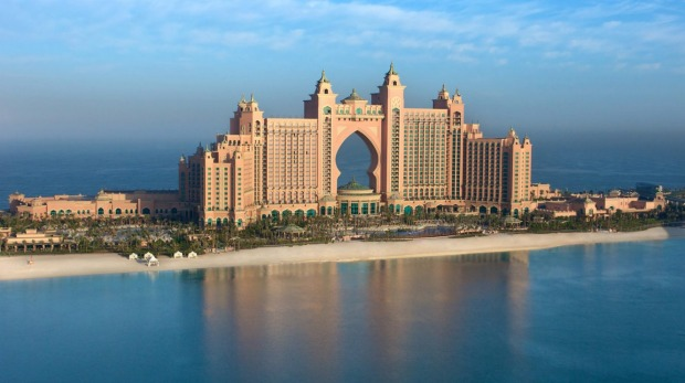 Atlantis the palm review dubai underwater luxe for Best suites in dubai