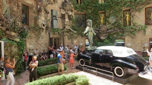 Curious: Rainy Taxi in the courtyard of the Dali Theatre-Museum in Figueres.