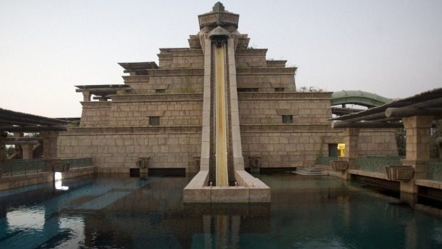 A water slide made as a historical building, Zigurat, at the Atlantis hotel.