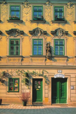 Golden memories: A  baroque house in Spittelberg.