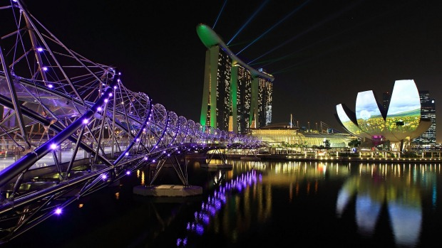Helix Bridge, Marina Bay Sands, Singapore: The design of this bridge deliberately evokes echoes of human DNA, especially ...