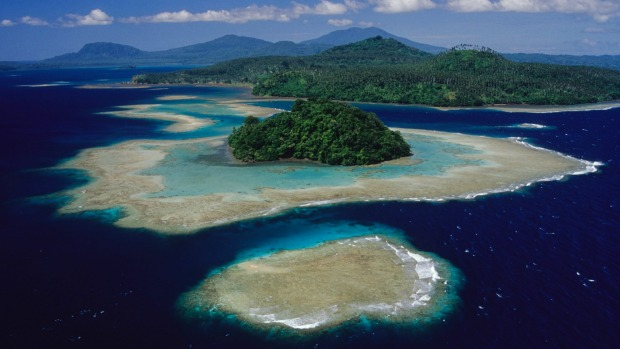 Papua New Guinea: culture, scuba diving and festivals.