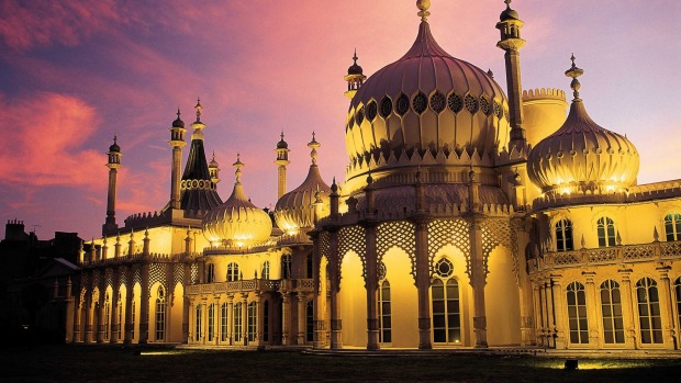 England: The Royal Pavilion, Brighton, Sussex.