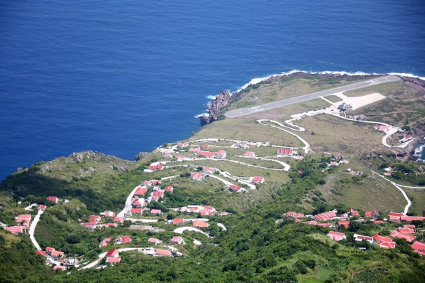 Juancho E. Yrausquin Airport on the Caribbean island of Saba: Considered by pilots to be one of the most challenging ...