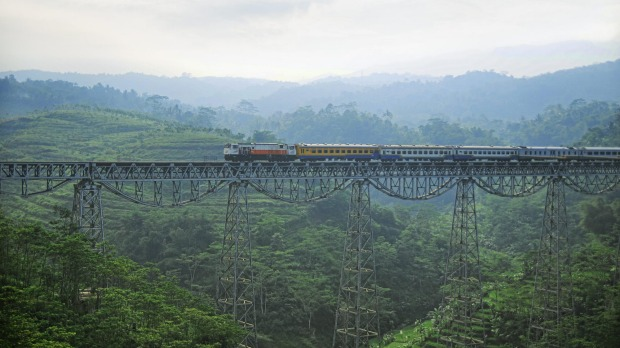 Bandung, train on the Cikubang Bridge