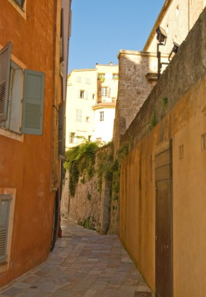 Enchanted alleyways: If you get lost in Grasse, just follow your nose.