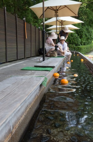Take a break from the art with an orange-scented foot bath at Hakone Open Air Museum.