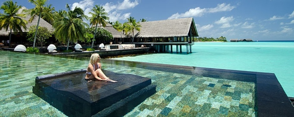 The pool at One&Only Reethi Rah.