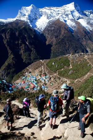 A trekking group above Namche Bazaar, on the climb to Khumjung.