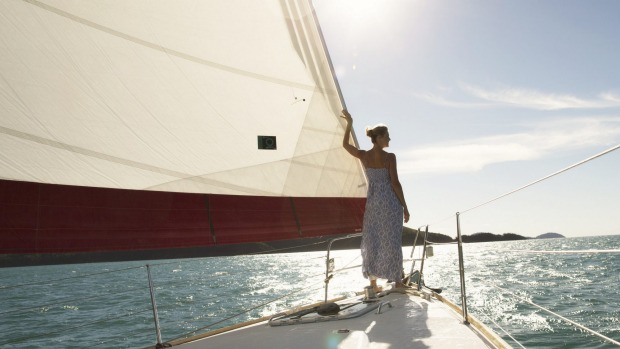 Hire a skippered yacht and sail around the Whitsundays.