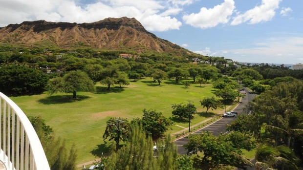LOTUS HONOLULU AT DIAMOND HEAD: There's an inviting intimacy about the Lotus Honolulu, from its warmly lit lobby, ...