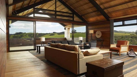 Gabriel Residence sleeps eight in style, overlooking the Bay of Islands.