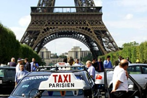Eiffel tower taxi paris