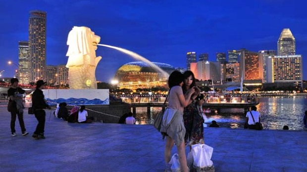 Splashing out ... Merlion Park, Singapore.