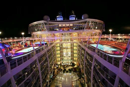 Allure of the Seas pool deck and Central Park.
