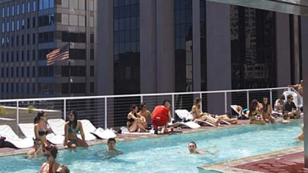 The high line new york the standard hotel rooftop - New york hotels with rooftop swimming pools ...