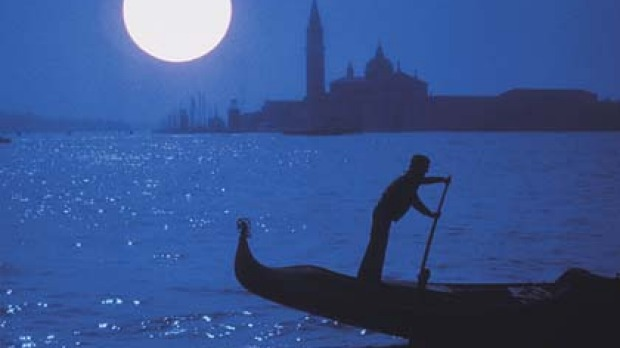 ight moves ... a gondolier glides by in the moonlight.