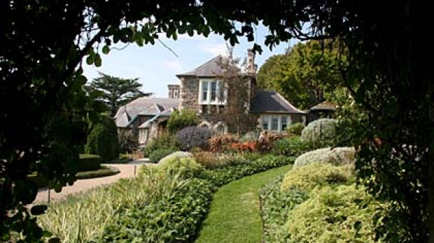 House And Garden ... Heronswood In Sprawling Grounds At Dromana.