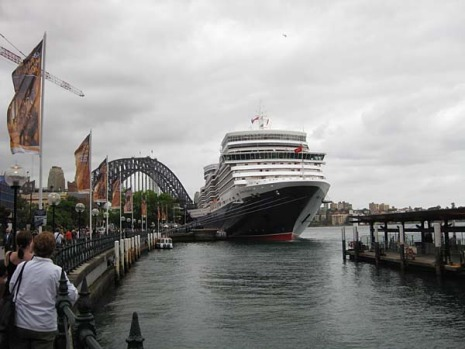 The Queen Elizabeth at Circular Quay.