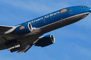 Vietnam Airlines Boeing 777-200.plane aircraft flying