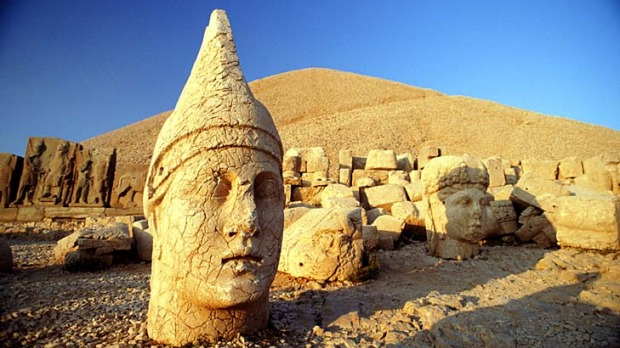 Heads up ... one of the statues atop Mount Nemrut.