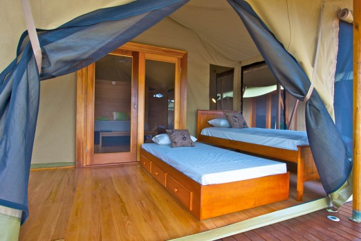 Wildman Wilderness Lodge, 170 Kilometeres from Darwin provides a collection of luxury African-style tenst and cabins on ...