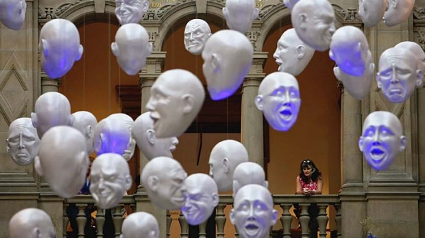 Look this way ... Kelvingrove Art Gallery and Museum in Glasgow.