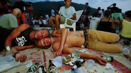 The morning after ... sleeping on the beach is typical after a Full Moon Party.
