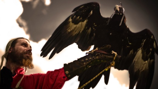 Bird of Prey handler Paul-Michael Donovan with eagle Sabrina at the 2012 Ironfest in Lithgow.