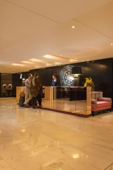 tra10-adelaidehotel Mayfair Hotel Reception area