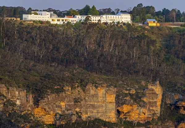 The Hydro Majestic stretches 1.1 km along the escarpment at Medlow Bath, commanding one of the prime positions in the ...