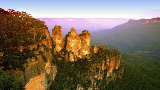 The Three Sisters, one of the many beautiful spots in the Blue Mountains NSW.