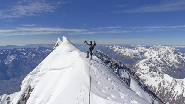 Basing yourself in Queenstown (or Wanaka) you can ski different mountains on different days.