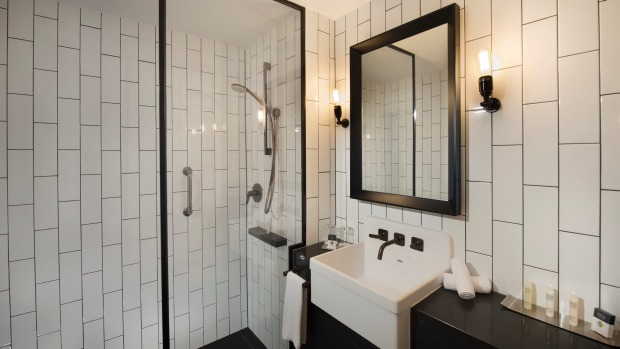 Doubletree by hilton review melbourne weekend away for Bathrooms r us melbourne