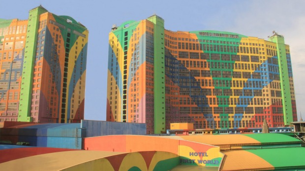 First World Hotel is the third largest hotel in the world by number of rooms with a total of 6,118 rooms. Its 500,000 ...