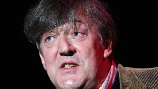 Stephen Fry ... stuck in Dubai due to the Qantas A380's engine problem.