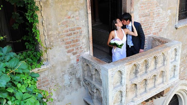Juliet's House, Verona. The Casa de Giulietta throngs with tourists eager to have their 'Romeo, Romeo' moment on its ...