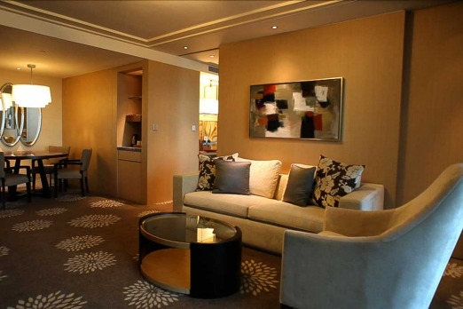 The standard suites at Marina Bay Sands are also pretty plush.