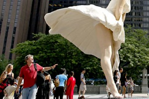 Chicago's Marilyn Monroe statue.