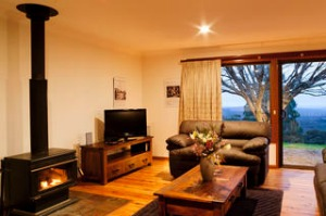 SHD Travel. The Jungle Lynne Whiley weekend away. Mount Tomah Botanic Garden Jungle Lodge, livingroom area. Venue for ...