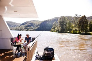 Retreat and relax ... boating on the Hawkesbury.