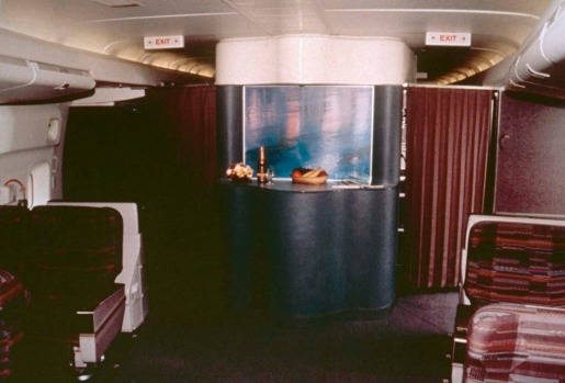 The early Singapore Airlines 747s offered two lounges for business and first class passengers.